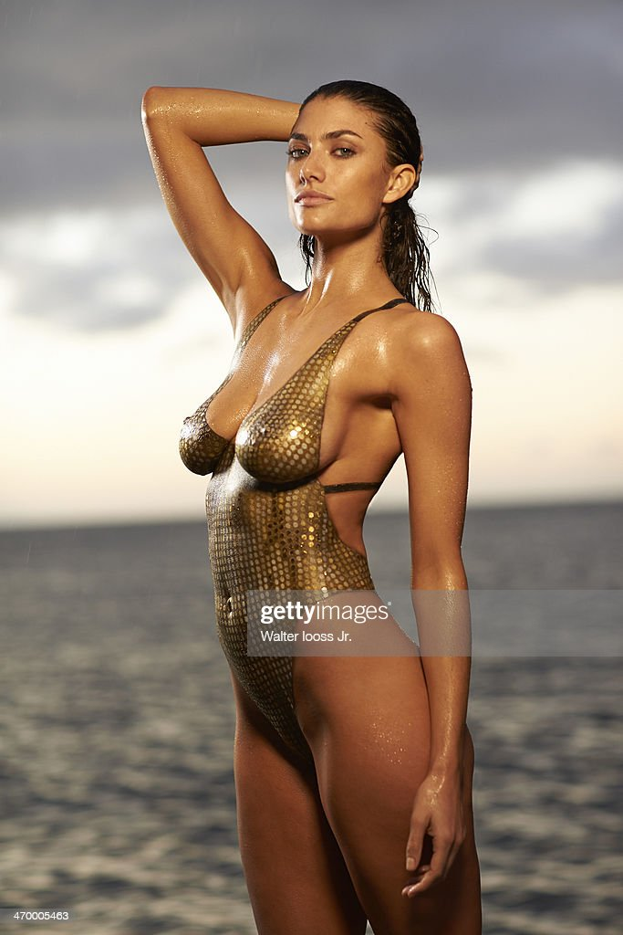 Si Swimsuit  Body Painting