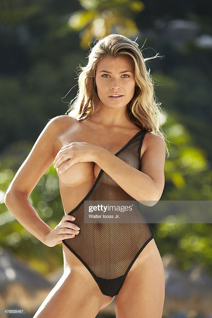 Samantha Hoopes, Sports Illustrated, Swimsuit 2014 : News Photo