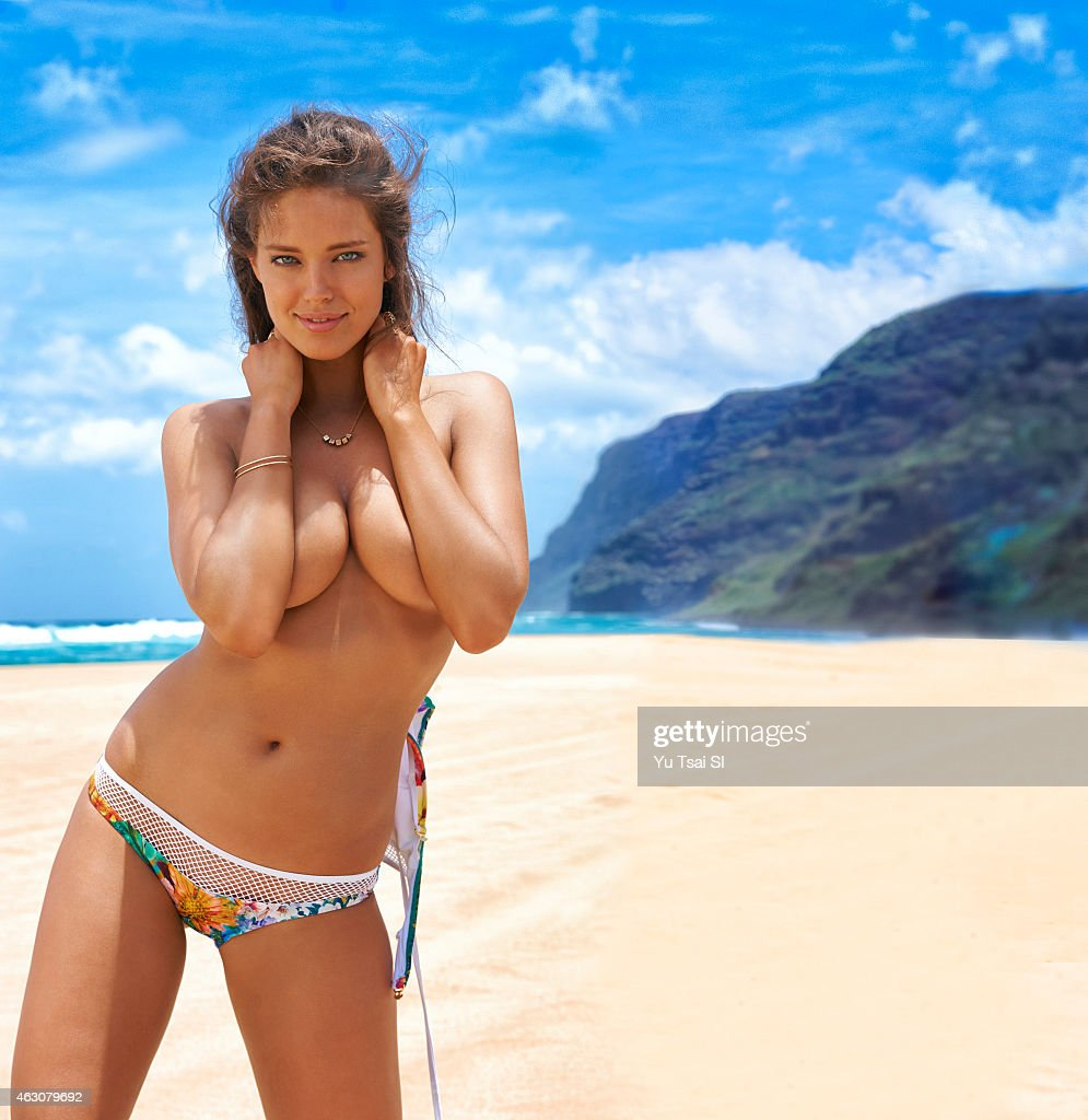 Emily DiDonato, Sports Illustrated, Swimsuit 2015 : News Photo