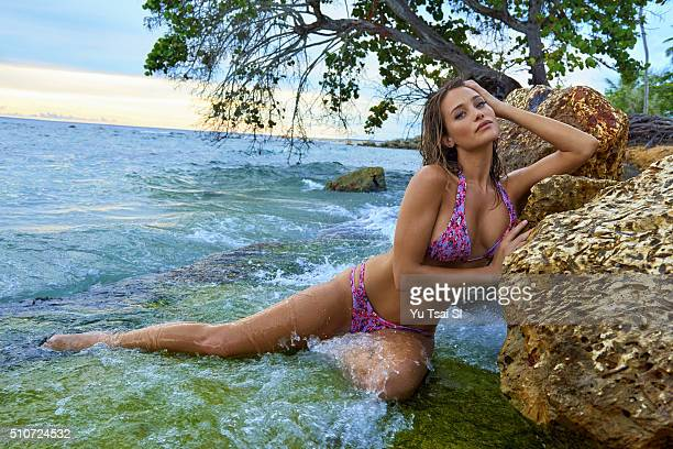 Model Hannah Davis poses for the 2016 Sports Illustrated Swimsuit issue on October 16 2015 in the Dominican Republic PUBLISHED IMAGE CREDIT MUST READ...