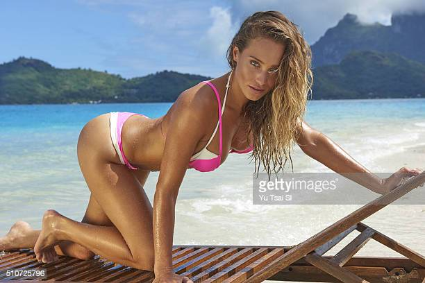 Model Hannah Davis poses for the 2016 Sports Illustrated Swimsuit issue on August 30 2015 in Tahiti PUBLISHED IMAGE CREDIT MUST READ Yu Tsai/Sports...
