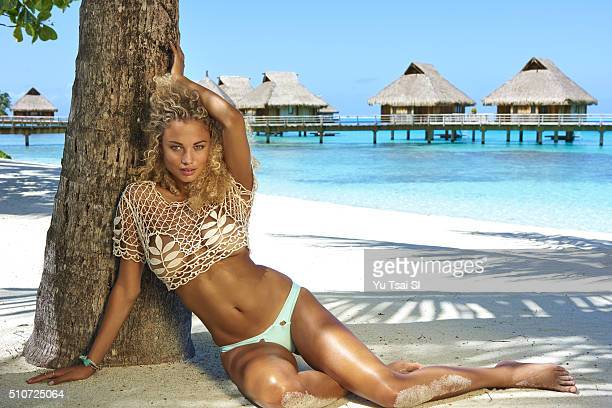 Model Rose Bertram poses for the 2016 Sports Illustrated Swimsuit issue on August 28 2015 in Tahiti PUBLISHED IMAGE CREDIT MUST READ Yu Tsai/Sports...