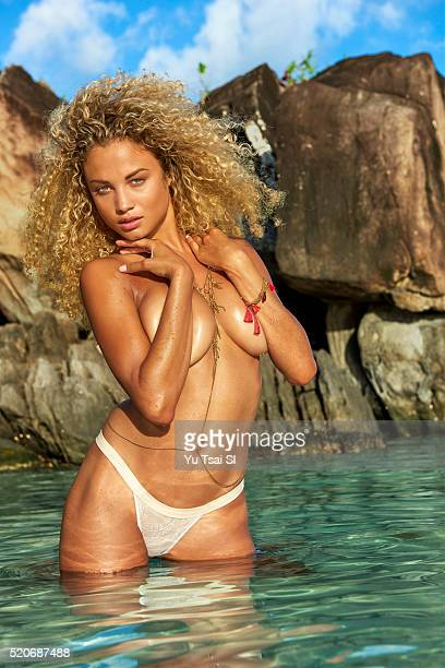 Model Rose Bertram poses for the 2016 Sports Illustrated swimsuit issue on August 28 2015 in BoraBora French Polynesia Swimsuit by Indah and body...