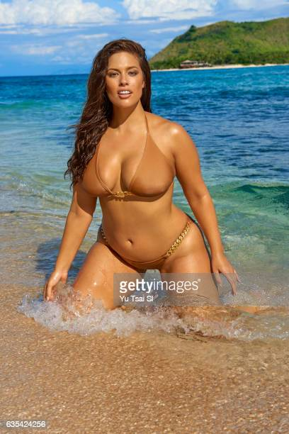 Swimsuit Issue 2017: Model Ashley Graham poses for the 2017 Sports Illustrated swimsuit issue on November 8, 2016 in Fiji. PUBLISHED IMAGE. CREDIT...