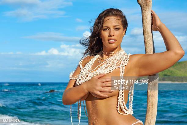 Model Ashley Graham poses for the 2017 Sports Illustrated swimsuit issue on November 8 2016 in Fiji PUBLISHED IMAGE CREDIT MUST READ Yu Tsai/Sports...