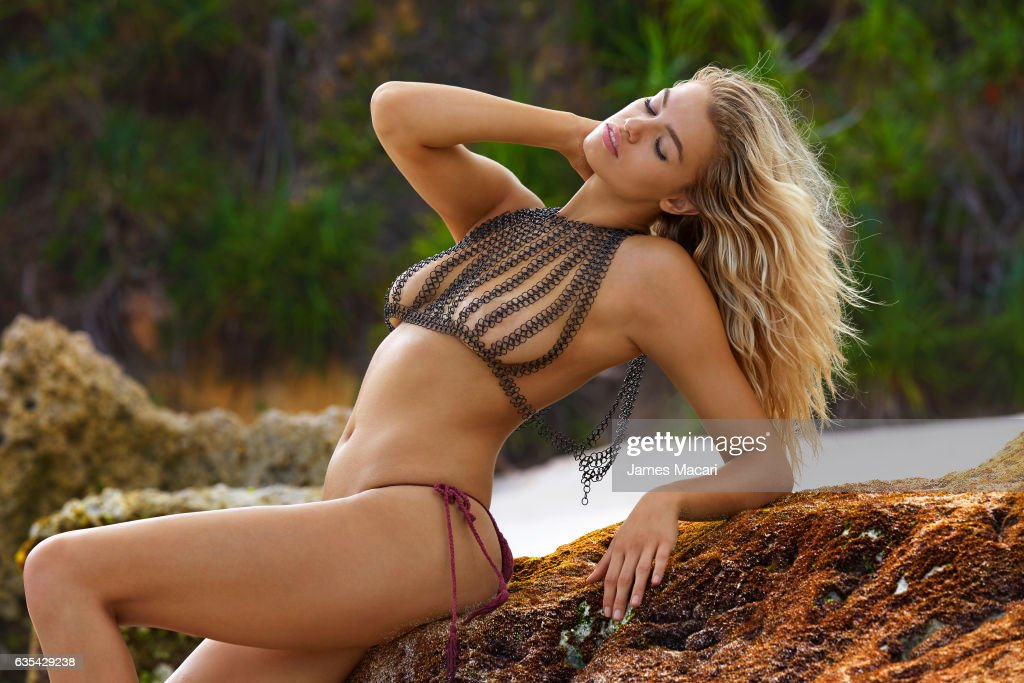 Hailey Clauson, Sports Illustrated, Swimsuit 2017 : News Photo