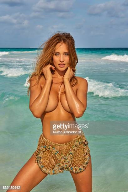 Model Hannah Davis Jeter poses for the 2017 Sports Illustrated swimsuit issue on November 29 2016 in Tulum Mexico PUBLISHED IMAGE CREDIT MUST READ...