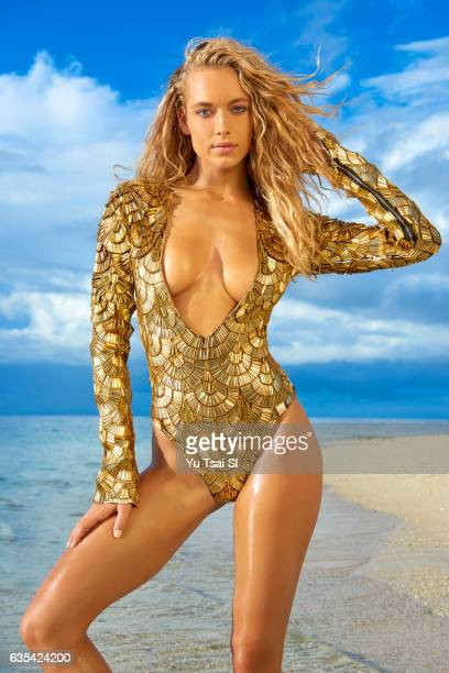Model Hannah Ferguson poses for the 2017 Sports Illustrated swimsuit issue on November 6 2016 in Fiji PUBLISHED IMAGE CREDIT MUST READ Yu Tsai/Sports...