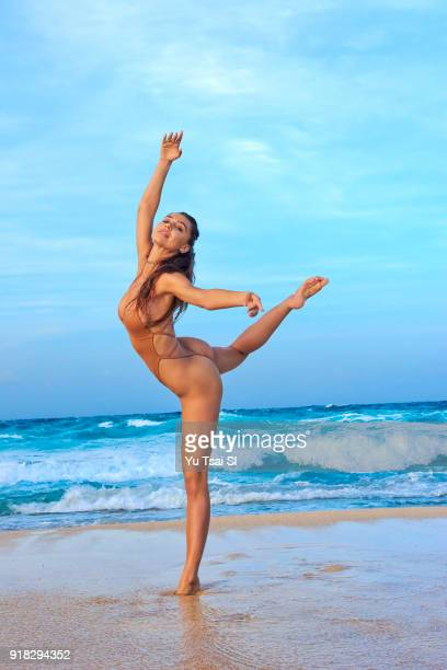 Model Alexis Ren poses for the 2018 Sports Illustrated swimsuit issue on October 11 2017 in Aruba PUBLISHED IMAGE CREDIT MUST READ Yu Tsai/Sports...