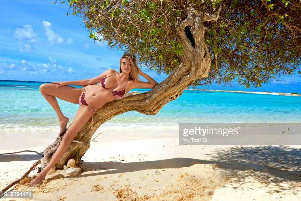 Model Kate Upton poses for the 2018 Sports Illustrated swimsuit issue on October 9 2017 in Aruba PUBLISHED IMAGE CREDIT MUST READ Yu Tsai/Sports...