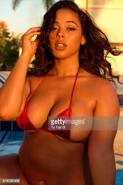 Model Tabria Majors poses for the 2018 Sports Illustrated swimsuit issue on November 15 2017 in Belize PUBLISHED IMAGE CREDIT MUST READ Yu...