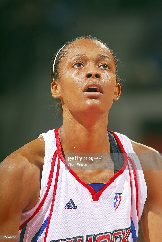 buy popular eedfa 2342a Swin Cash 32 of the Detroit Shock looks to make a free throw during the