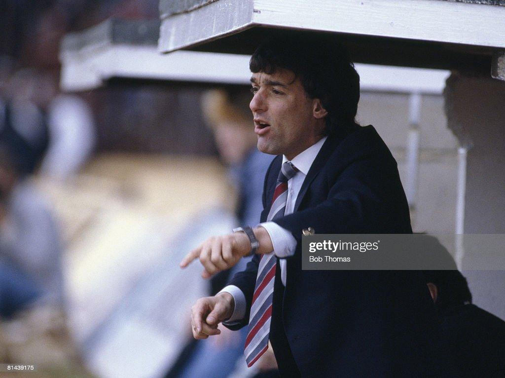 Swindon Town Manager Lou Macari : News Photo