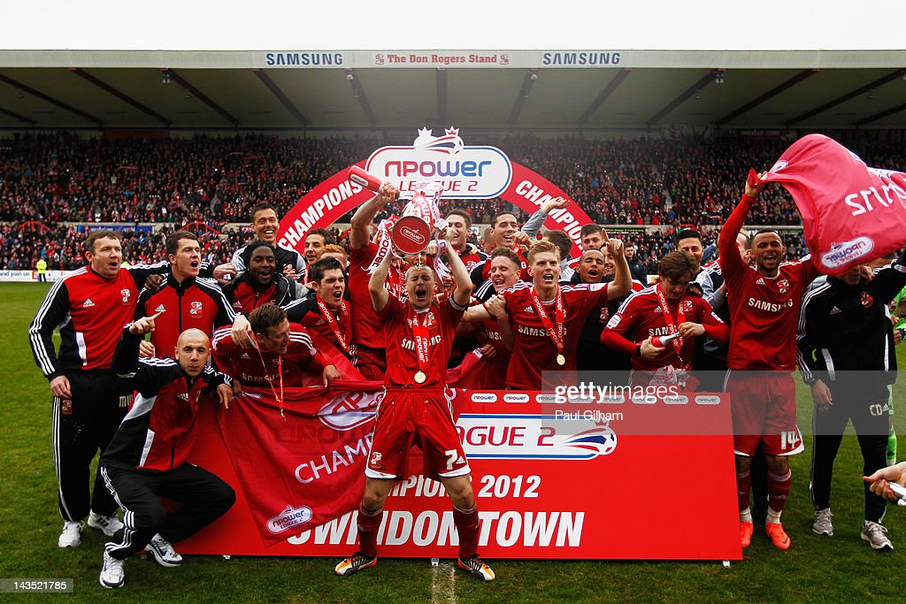 Swindon Town v Port Vale - npower League Two : News Photo