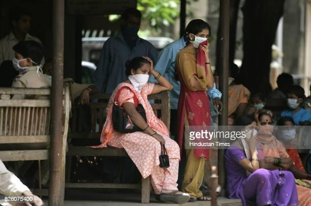 Swine Flu in Mumbai People gathered in Bhagvati hospital for swine flu test at borivali