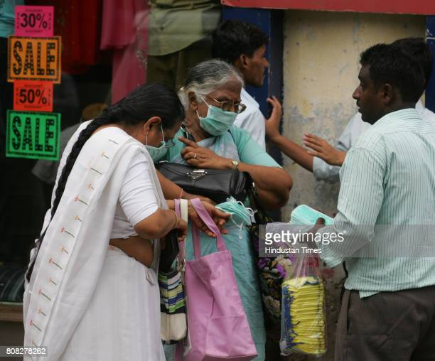 Swine Flu in Mumbai Vendors selling fake FACE MASKsfor Rs 10 at Crawford Market area One of Vendors claimed that he made around Rs 10000 in Single...