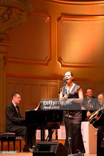 Swing Dance Orchestra An American Night of Swing Andrej Hermlin und seine Big Band bei einem Konzert in der Hamburger Laeiszhalle Musikhalle