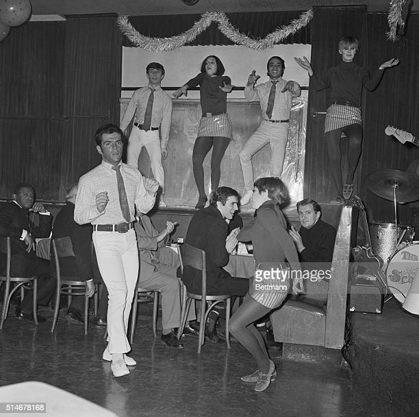 Swingers gogo dance at the Manhattan discotheque Trudy Heller's in New York New Yorkers Bert Russo and Marge Grayson in the foreground with an...