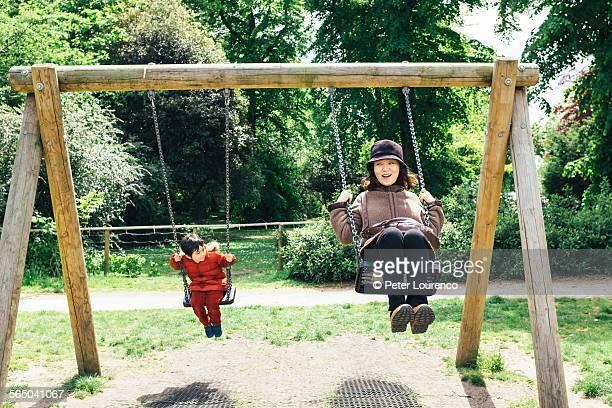 swinging - peter lourenco stock-fotos und bilder