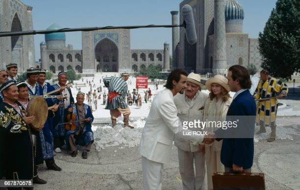 Swiss actor Vincent Perez on the set of the film Ligne de Vie directed by Russian director Pavel Lounguine Reghistan at the heart of Samarcande is...
