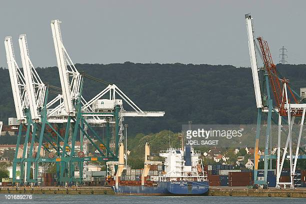 Swiss cargo Safmarine Leman from Basel stands on the harbour of Rouen on May 21 2010 AFP PHOTO / JOEL SAGET