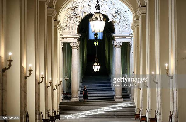 Swiss guard stands at the Apostolic Palace during Pope Francis' morning private audience on December 16 2016 in Vatican City Vatican Pope Francis...