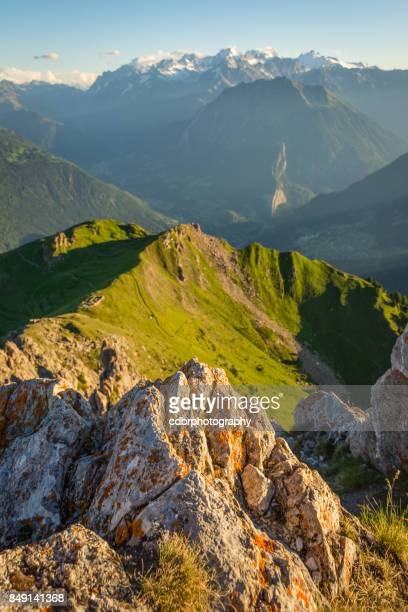 swiss peaks and valleys portrait - auvergne rhône alpes stock pictures, royalty-free photos & images