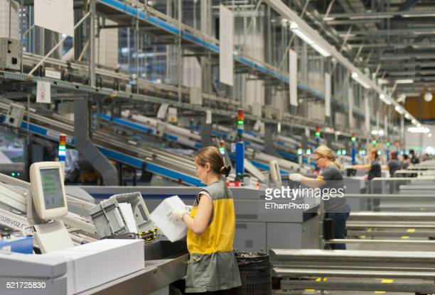 swiss postal service mail distribution center in zurich-mulligen - post structure stock pictures, royalty-free photos & images