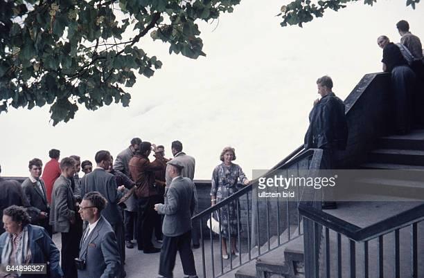 Swiss Schaffhausen ca1960 Rheinfall Touristen am größten Wasserfall Europas