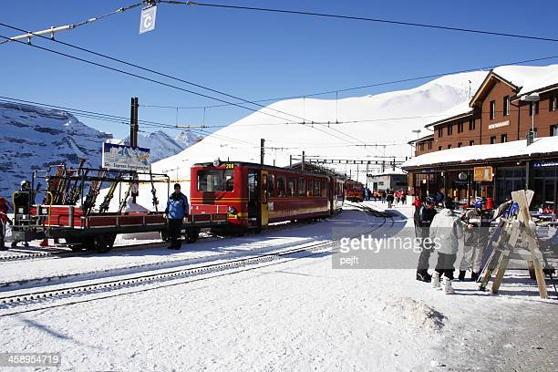 Schweizer Zug im Schnee