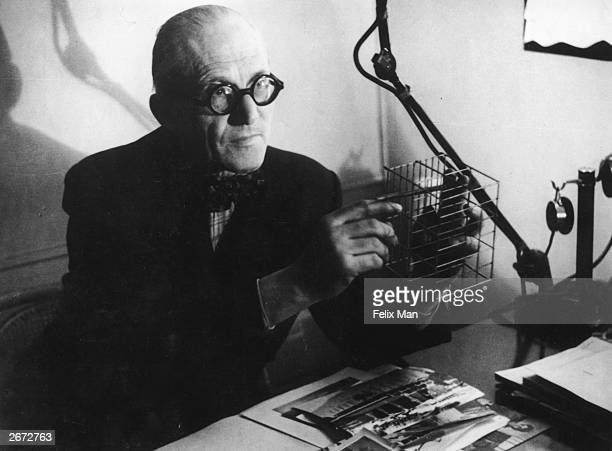 Swissborn French architect Charles Edouard Jeanneret assumed name of Le Corbusier demonstrating the principle of his method in flat construction