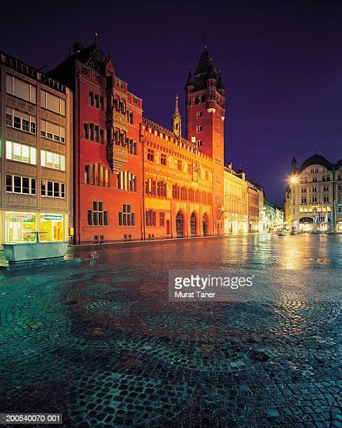 switzerland, basel, town hall and market square, night - basel - fotografias e filmes do acervo