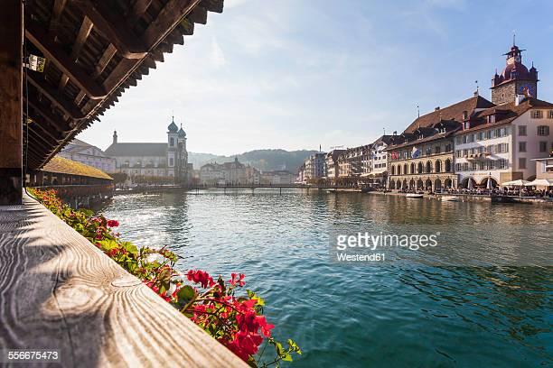 switzerland, canton of lucerne, lucerne, old town, reuss river, chapel bridge - ルツェルン ストックフォトと画像