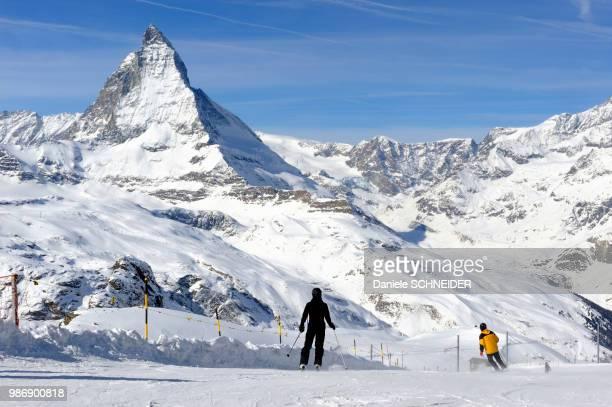 switzerland, canton of vaud, zermatt ski resort, matterhorn - zermatt stock pictures, royalty-free photos & images