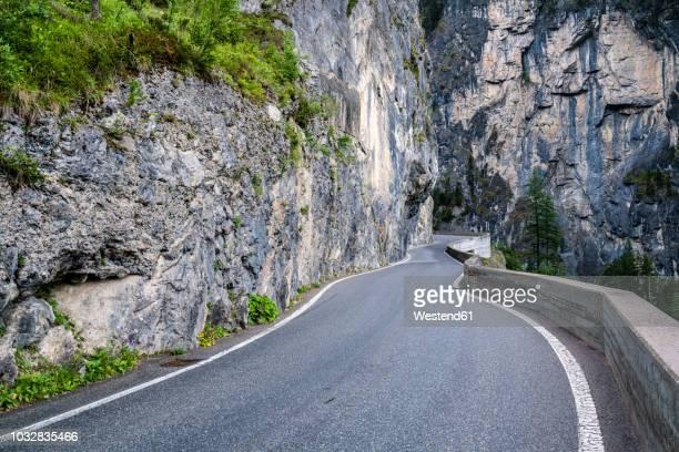 switzerland, graubuenden canton, albula pass - bergpass stockfoto's en -beelden