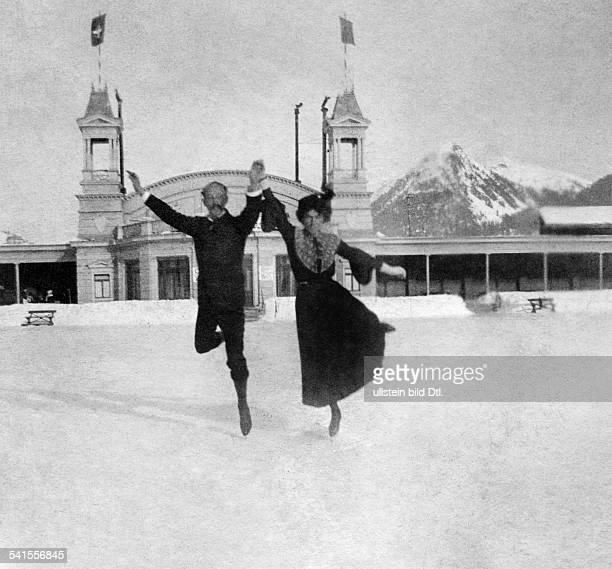 Switzerland - Graubuenden - : figure skating in Davos, pair skater dancing on the ice - Published by: 'Berliner Illustrirte Zeitung' 5/1904Vintage...