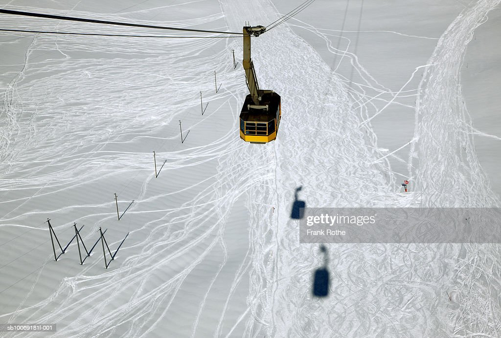 Switzerland, Overhead cable car, high angle view : Stockfoto