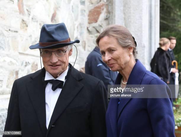 Guests arrive to the wedding of Constantine of Bavaria and Deniz Kaya Photo Franziska Kraufmann/dpa