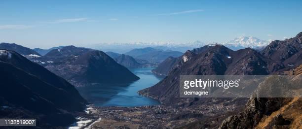 スイス渓谷とルガーノ湖 - スイス ルガーノ ストックフォトと画像
