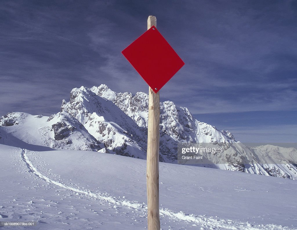 Switzerland, warning sign in mountains : Stockfoto