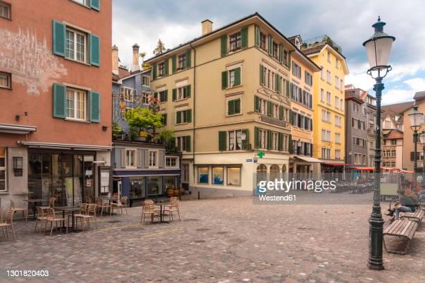 switzerland, zurich, hirschenplatz in niederdorf old town - old town stock pictures, royalty-free photos & images