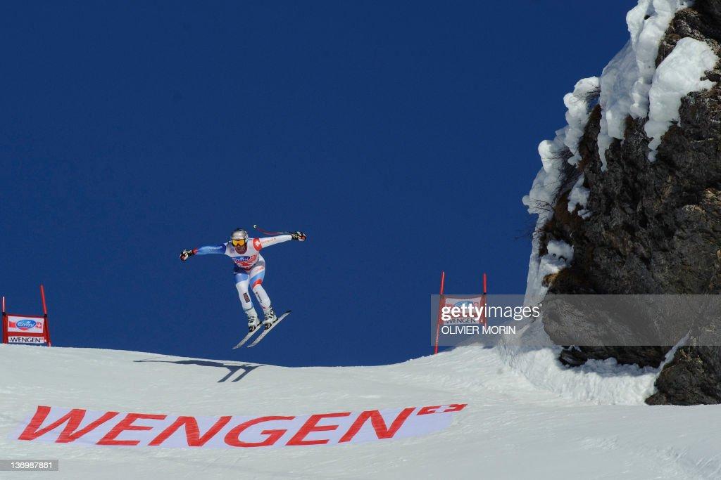 Switzerland's Beat Feuz competes on the : News Photo