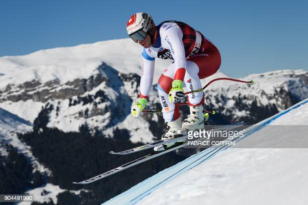 Switzerland's Beat Feuz competes to win the Downhill race at the FIS Alpine Skiing World Cup in Wengen on January 13 2018 / AFP PHOTO / Fabrice...