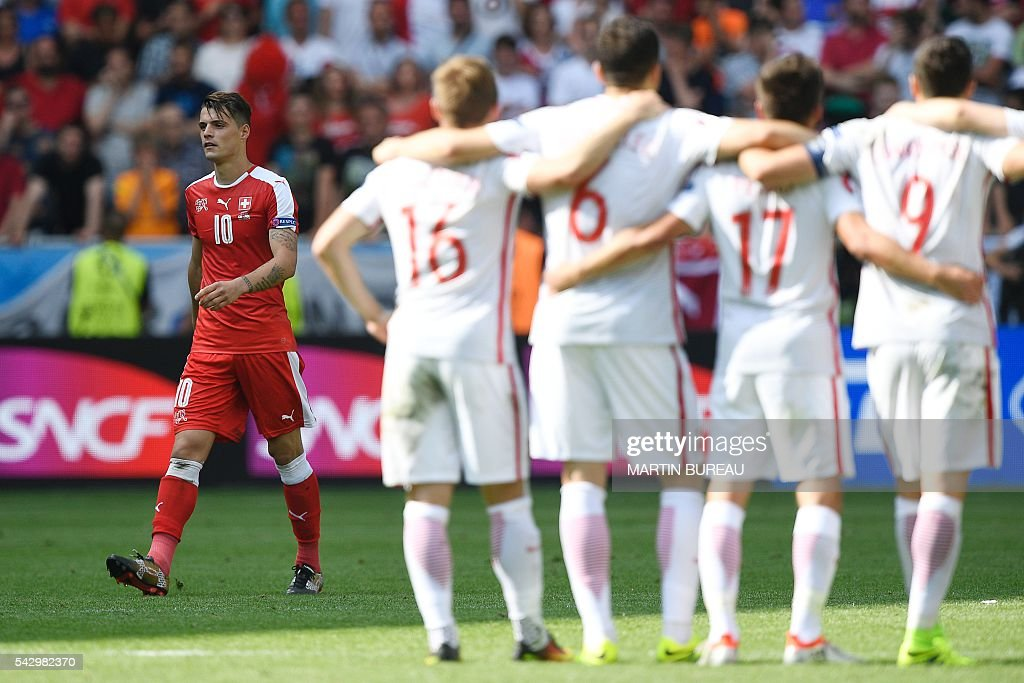 FBL-EURO-2016-MATCH37-SUI-POL : News Photo