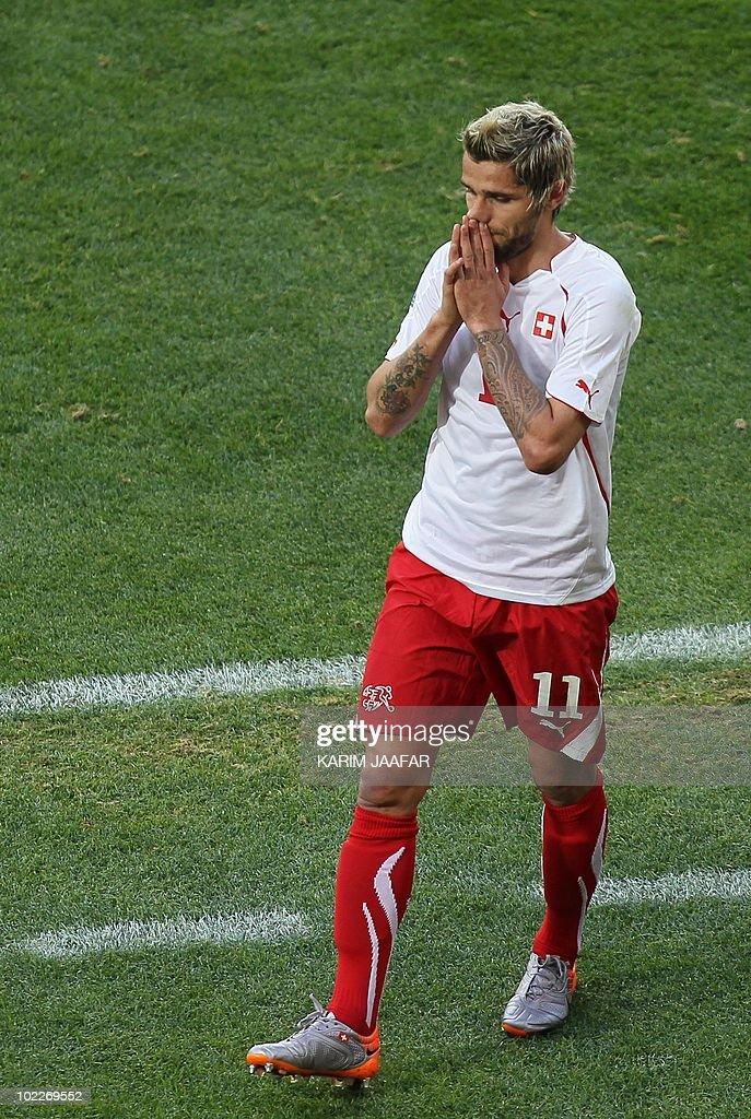 Switzerland's midfielder Valon Behrami r : News Photo
