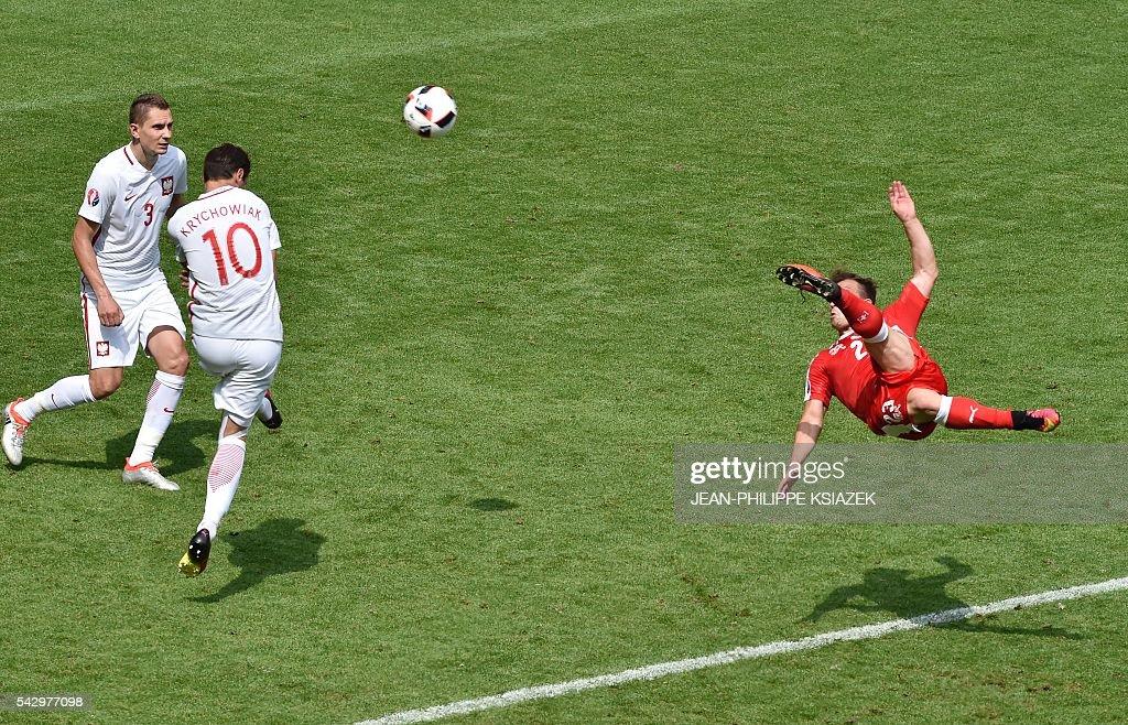 FBL-EURO-2016-MATCH37-SUI-POL : News Photo