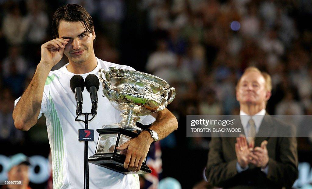 Switzerland's Roger Federer (L) cries as : News Photo