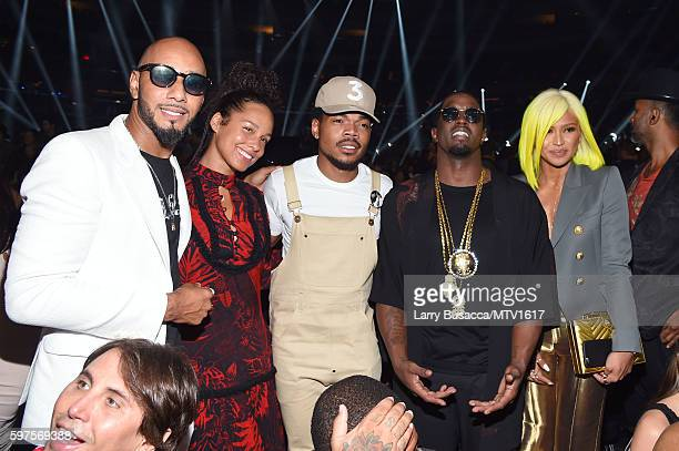 Swizz Beatz Alicia Keys Chance the Rapper Sean 'Diddy' Combs and Cassie backstage during the 2016 MTV Video Music Awards at Madison Square Garden on...
