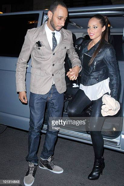 **EXCLUSIVE** Swizz Beatz and Alicia Keys are seen after Alicia Keys' concert at the Palais Omnisports de Paris Bercy on May 31 2010 in Paris France