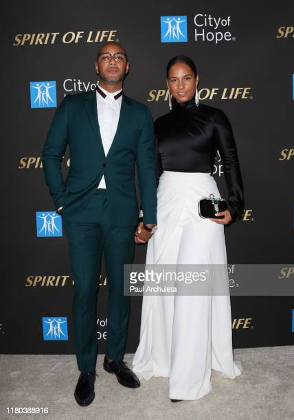 Swizz Beatz and Alicia Keys attend the City Of Hope's Spirit Of Life 2019 Gala at The Barker Hanger on October 10, 2019 in Santa Monica, California.